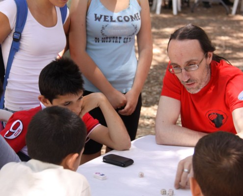Torneo del juego de mesa Piko Piko, Mentes Hexagonadas ayudando