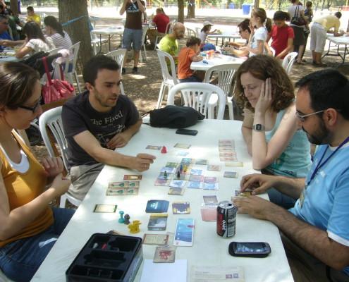 Partida al juego de mesa la Isla Prohibida