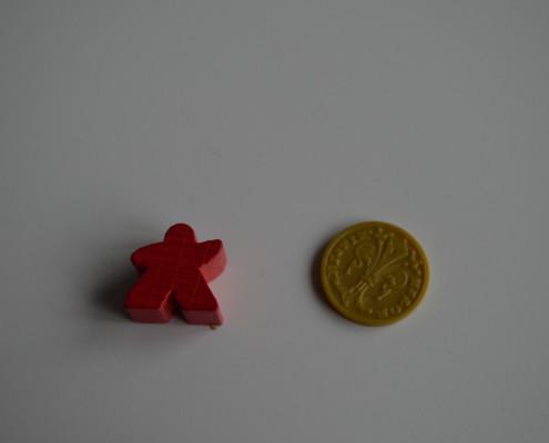 15 - Ficha de plástico. Idéntica por detrás.